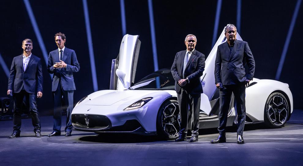 Il top management di Fca e Maserati alla presentazione della MC20