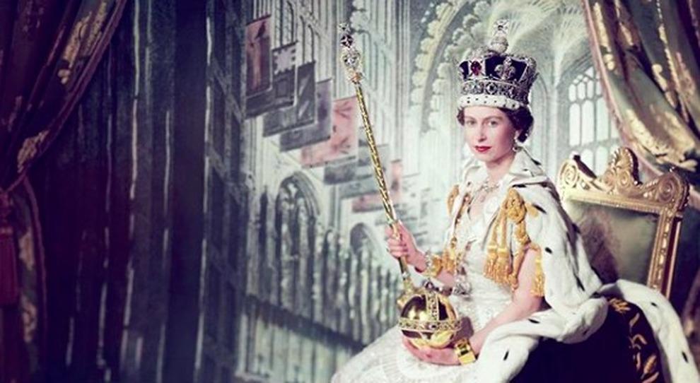 Regina Elisabetta 67 Anni Fa L Incoronazione L Omaggio Sui Social E Quel Retroscena Da Incubo Il Mattino It