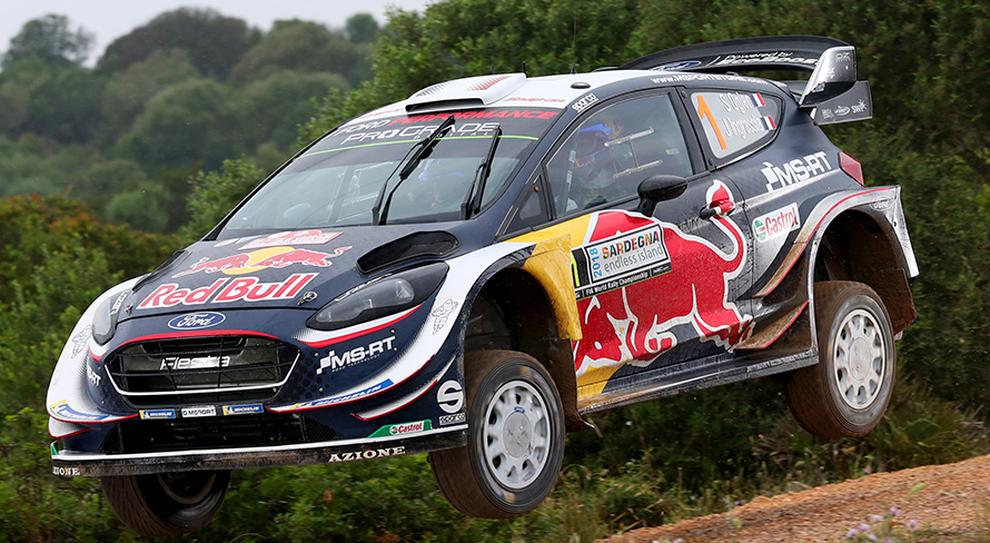 La Ford Fiesta WRC di Ogier, in testa nel prologo del rally di Sardegna