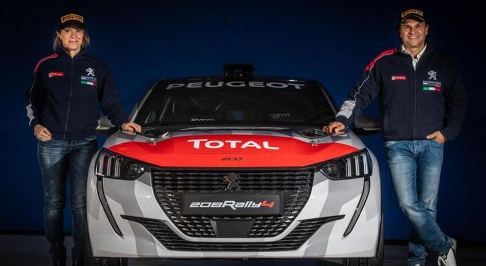 Paolo Andreucci e Anna Andreussi con la nuova Peugeot 208 Rally 4
