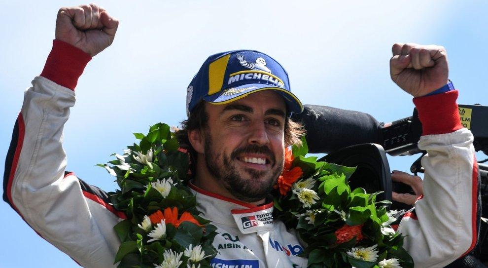 L'esultanza di Fernando Alonso sul podio di Le Mans