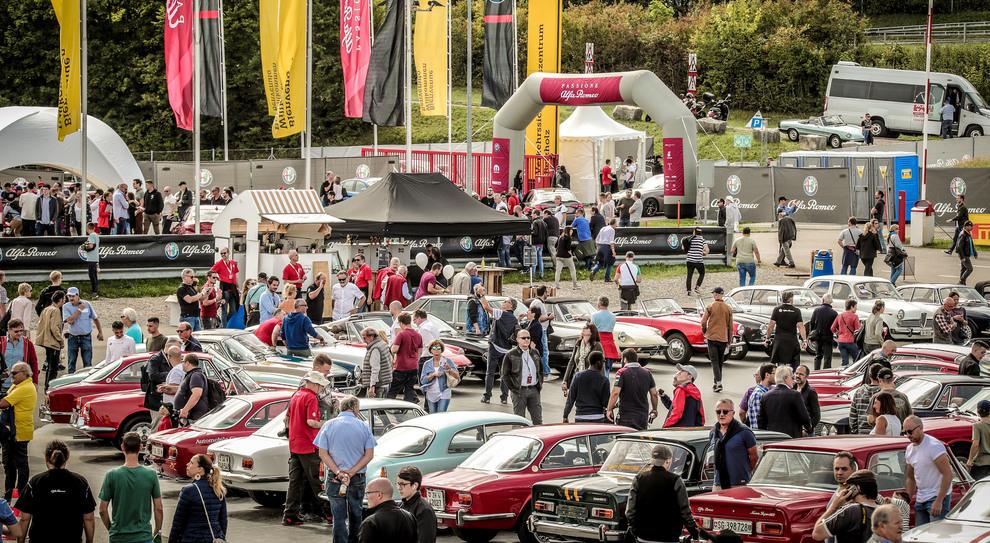 """Passione Alfa Romeo"""", un'immagine dell'happening del Biscione in Svizzera"""