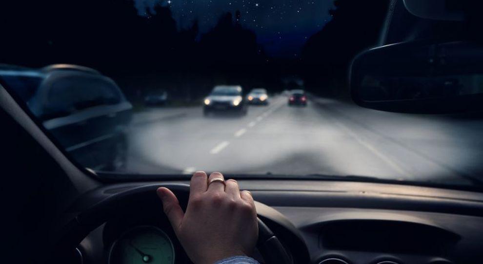 Guida di notte