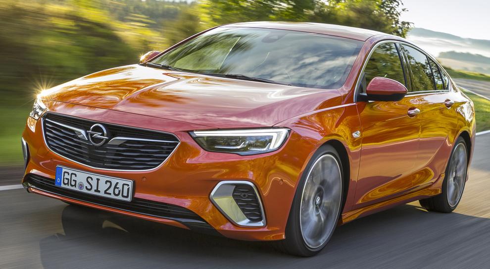 La nuova Opel Insignia GSi