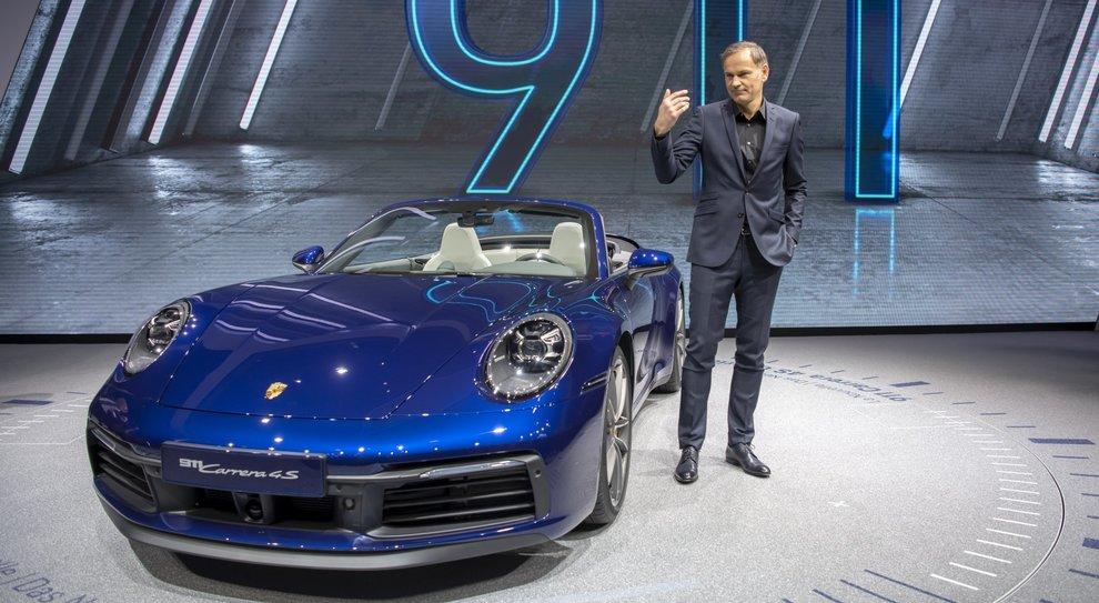 Oliver Blume, CEO di Porsche,presenta la nuova 911 Carrera 4S' cabriolet a Ginevra