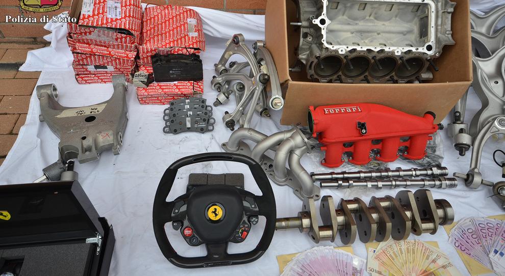 Dal deposito Ferrari sparivano pezzi di telaio e volanti: scoperto ladro 35enne, sequestrati 157mila euro