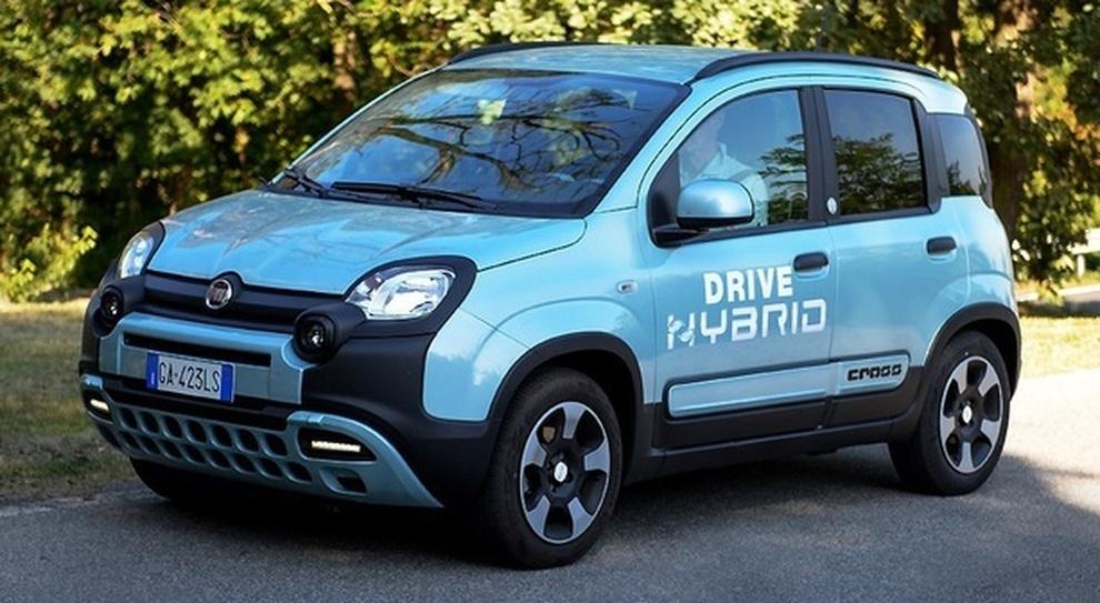 La Fiat Panda Hybrid City Cross a metano