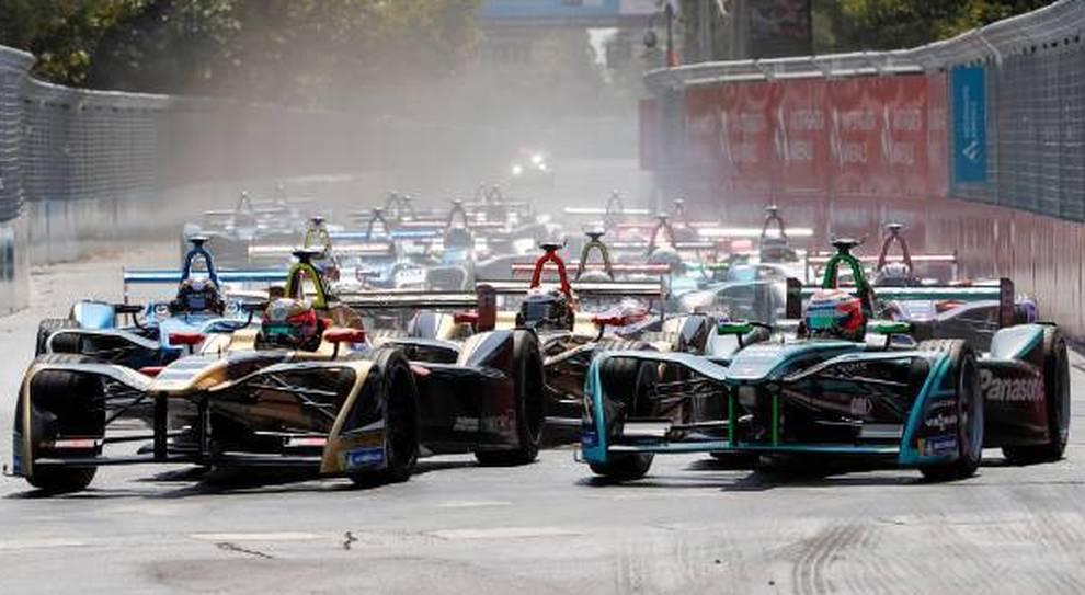 La partenza di un e-prix di Formula E