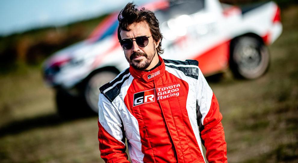 Fernando Alonso durante i test per la preparazione alla prossima Dakar con la Toyota