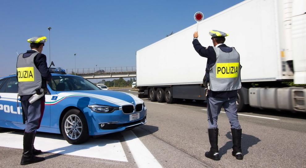 Più incidenti stradali nel 2018, ma in calo le vittime. Ecco il bilancio della Polizia Stradale