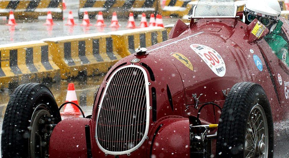La prova di una Ferrari d'epoca a Milano Autoclassica