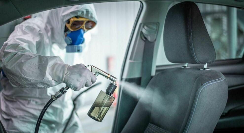 La sanificazione dell'auto