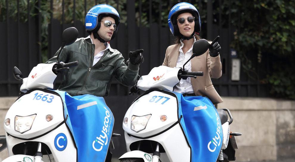 Due scooter elettrici di Cityscoot