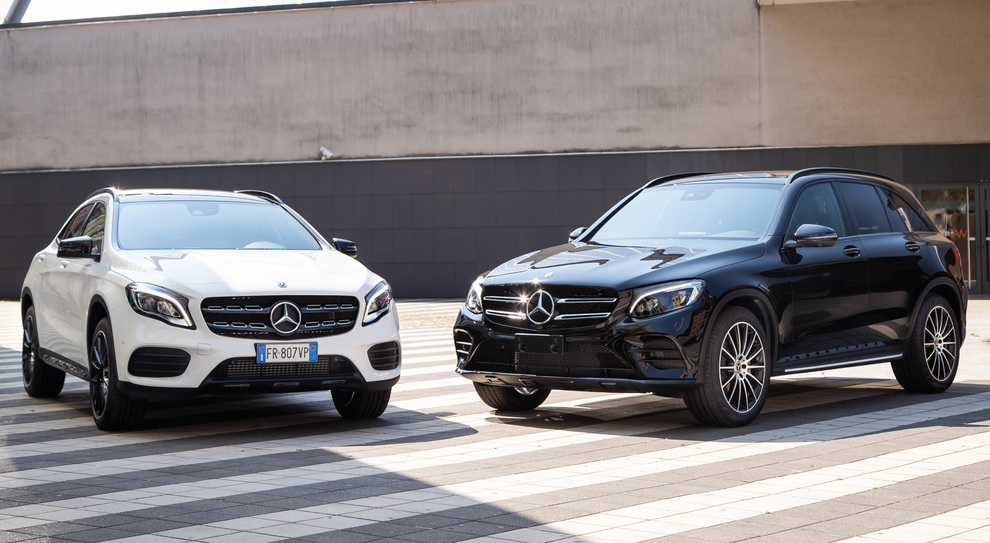 Due Mercedes in versione Night Edition