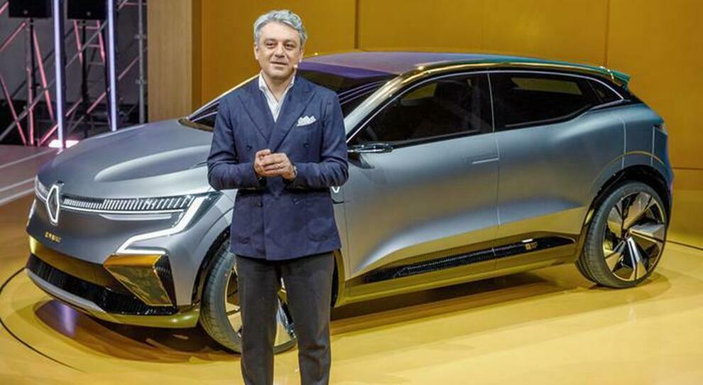 Luca De Meo, ceo del gruppo Renault svela la Megane eVision