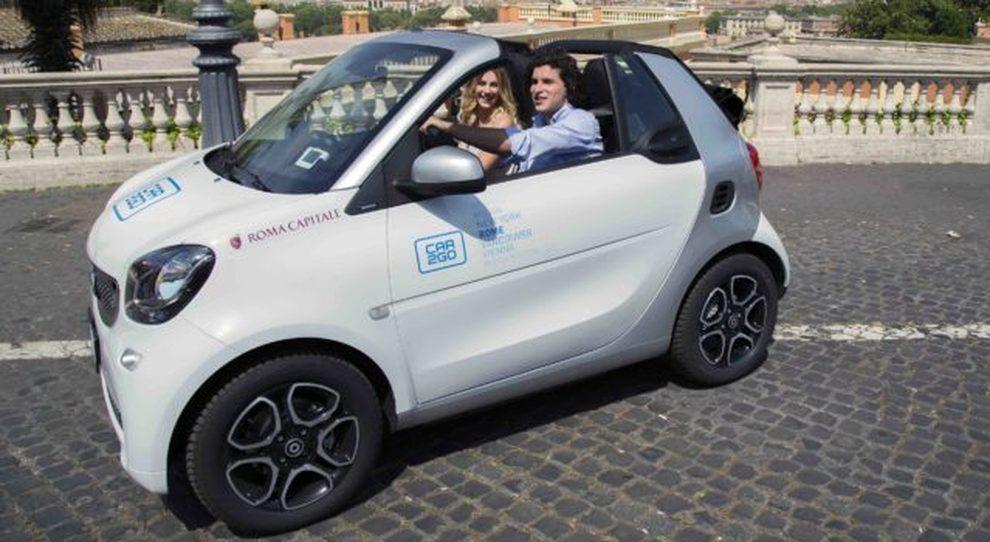 Ecco una delle 20 Smart cabrio del car sharing Car2go
