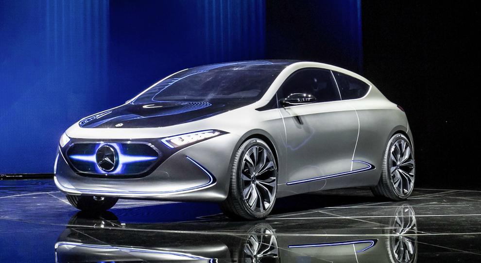 La Mercedes EQA concept