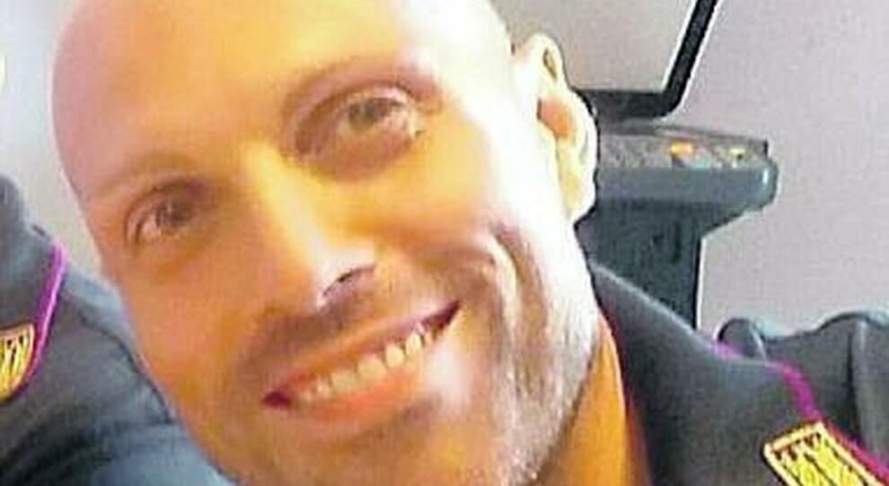 """Poliziotto investito in autostrada, guidatore senza patente dal 2012. Polizia """"Daniele era in servizio per garantire un Ferragosto sicuro ai cittadini. Non mollare!"""""""