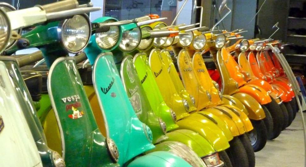 Vespa Color Days, il 21 e 22 aprile a Pontedera un weekend di festa per i 50 anni della Primavera