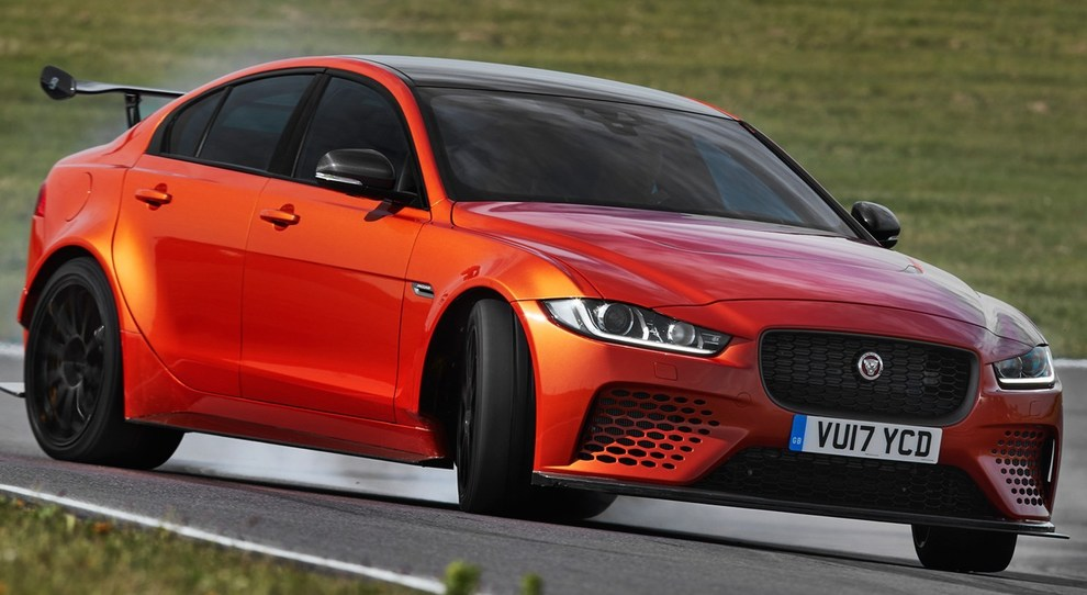 La jaguar XE SV Project 9