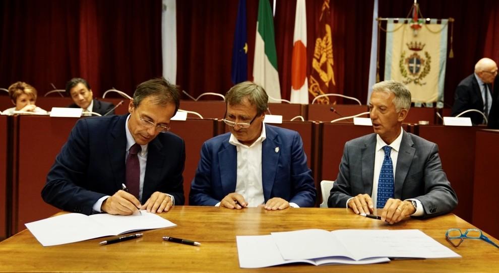 Da sinistra Mauro Caruccio, AD di Toyota Motor Italia con il sindaco di Venezia Luigi Brugnaro e Giuseppe Ricci, Chief Refining & Marketing Officer di Eni