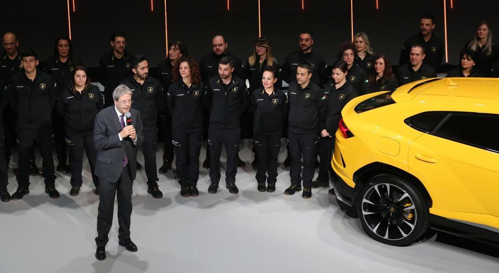 Il Presidente del Consiglio Paolo Gentiloni alla presentazione della Lamborghini Urus
