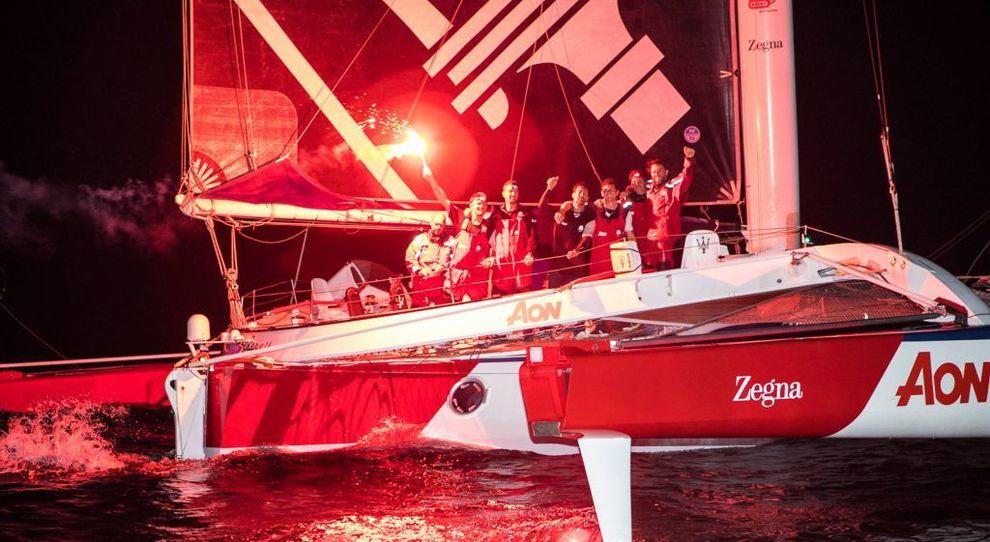 L'equipaggio del Maserati Multi 70 festeggia la vittoria