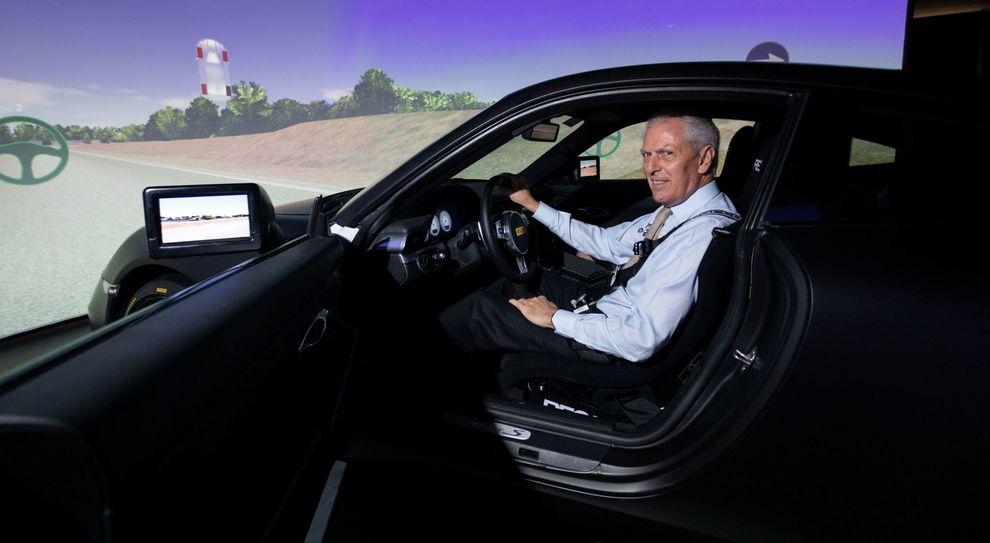 Il presidente di Pirelli Marco Tronchetti Provera a bordo del nuovo simulatore