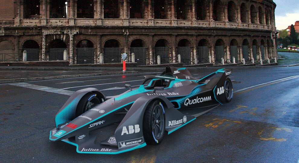 La nuova monoposto della Formula E con sullo sfondo il Colosseo
