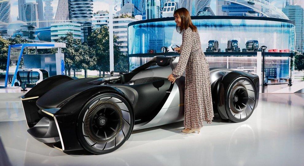 La Toyota e-Racer, una biposto elettrica
