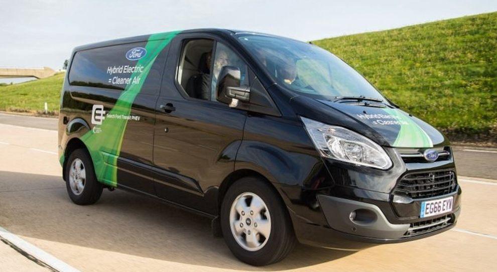 Il Ford Transit Custom in versione hybrid plug-in