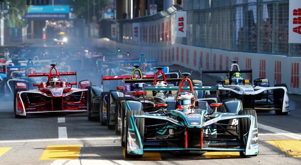 La partenza di un E-Prix nella scorsa stagione