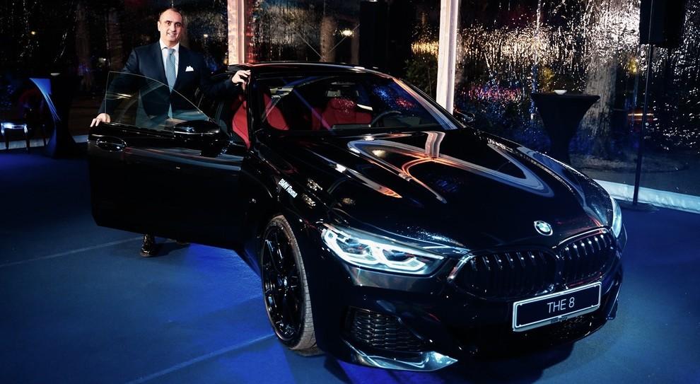 Gianluca Durante, dg di BMW Roma insieme alla Serie 8 Grand Coupè alla serata di gala alla Casina Valadier a Roma