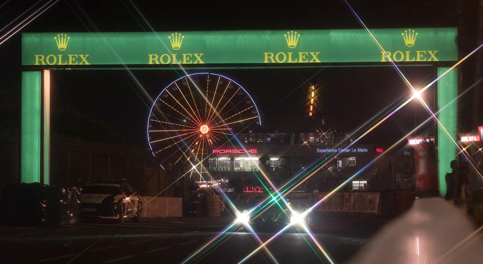 Le inconfondibili luci di Le Mans