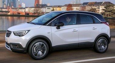 """Crossland X, la """"piccola"""" della squadra Suv di Opel all'attacco con il brillante 3 cilindri turbo da 130 cv"""