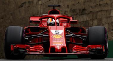 GP Azerbaijan, vince Hamilton davanti alla Ferrari di Raikkonen. Vettel solo 4°