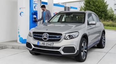 Mercedes GLC Fuel Cell: zero emissioni, anche l'idrogeno è un'opzione