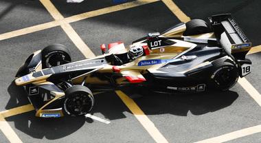 Lotterer dà spettacolo in stile Villeneuve all'E-Prix di Parigi