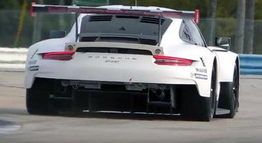 Porsche 911 RSR, motore centrale per il 6 cilindri boxer per migliorare prestazioni