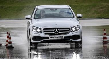 """Bridgestone, testato il Weather Control A005. L'all season è un vero """"mago della pioggia"""""""