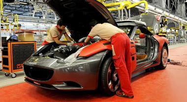 Ferrari, pronta alla fase 2: app per tracciare i contatti dei dipendenti e screening con esami del sangue