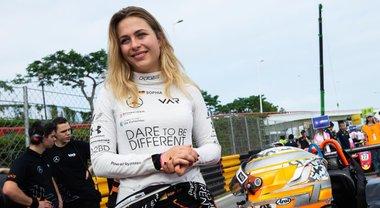 Floersch: «Tornerò, dico grazie al telaio Dallara...». Messaggio su Instagram della pilota tedesca dopo l'incidente