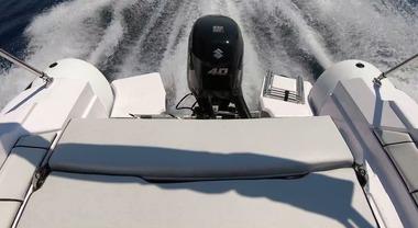 Suzuki Marine protagonista a Genova con il piccolo DF40A Ari e il grande DF300B