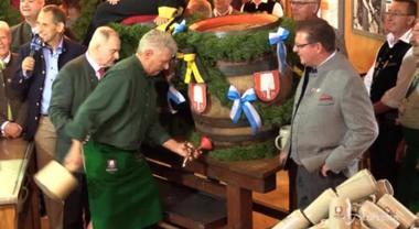Oktoberfest, al via la festa della birra più famosa al mondo