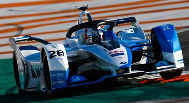 C'è BMW, giù il cappello: spettacolo in Formula E. La iFE.18 subito la più veloce nelle prove di Valencia