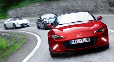 """Nuova MX-5, la """"regina"""" delle spider si rinnova. Mazda aggiorna la roaster più venduta della storia"""