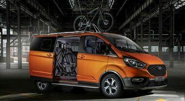 Ford, su Tourneo Custom arriva la versione Active. Stile distintivo con maggiore spazio e capacità di carico