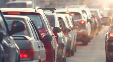 Emergenza smog, tornano divieti auto in 3 regioni. Stop a Torino in Lombardia e Veneto, allerta in Emilia Romagna