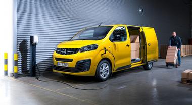 Opel Vivaro-e, il van elettrico per le consegne dell'ultimo miglio. Ricarica rapida e tanta tecnologia a bordo