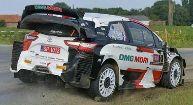 Neuville (Hyundai) allunga nel Rally di Catalogna davanti a Evans e Ogier. Ma la lotta per il titolo è fra le due Toyota